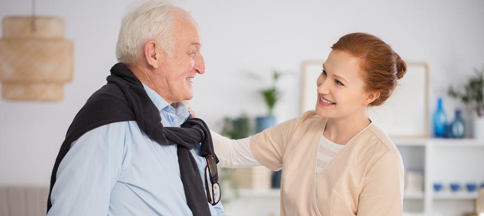 24-Stunden-Seniorenbetreuung finden – 5 Tipps für die Auswahl der Betreuungskraft